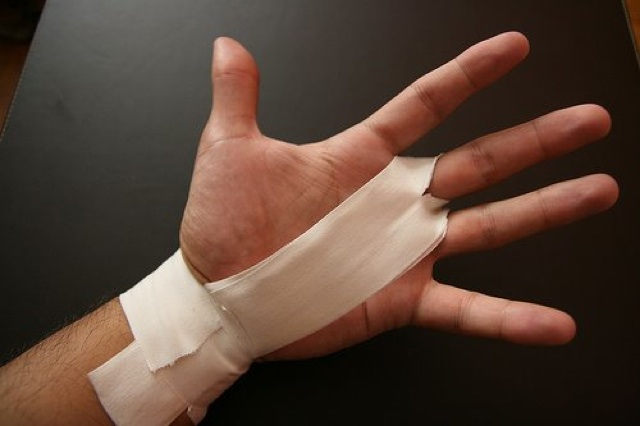 Taping Hands For Crossfit Workouts The Rx Review