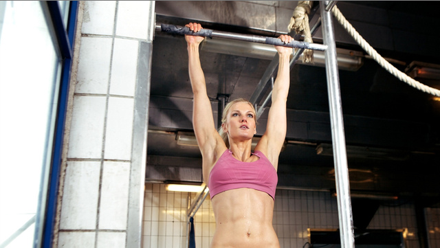 Why Women Struggle With Pull-ups.